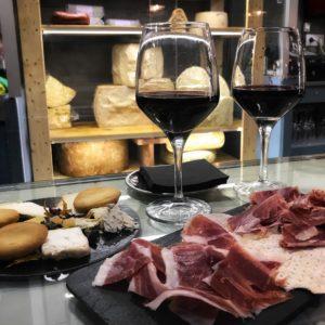 Wein Käse und Jamon Markthalle Mallorca