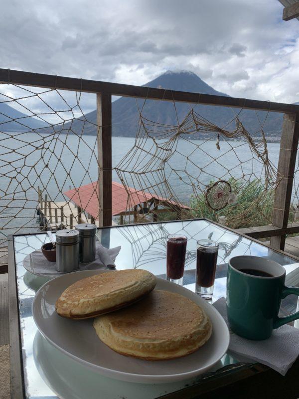 Pancakes im Vida am Ufer des Lago Atitlan